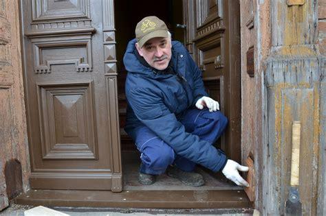 Vecās durvis tagad kā jaunas | liepajniekiem.lv