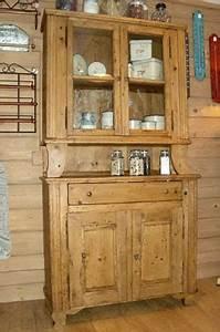 meubles montagnards la clusaz decoration chalet With deco cuisine avec meuble buffet vaisselier