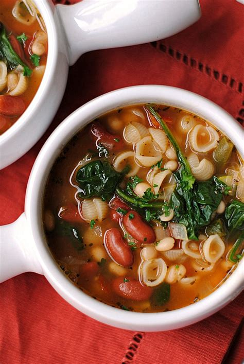 Soups From Olive Garden by Olive Garden Inspired Minestrone Soup Eat Yourself