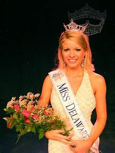 Kayla Martell: Miss America Contestant Proves that Bald is ...