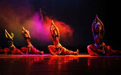 Dance Bollywood Indian Wallpapers Backgrounds Oriental Wallpaperaccess