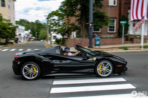 Ferrari offers the 488 pista in coupe and convertible variants. Ferrari 488 Spider - 6 Juli 2016 - Autogespot