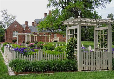 White Picket Fence The  Ee  Good Ee   Life Garden Walk Garden Talk