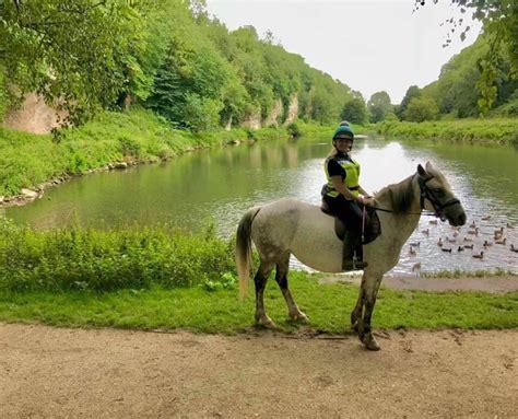 riding horse holidays derbyshire trekking pony
