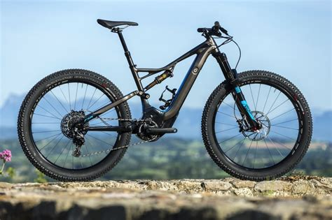 mtb e bike news specialized launches turbo levo pedal assist