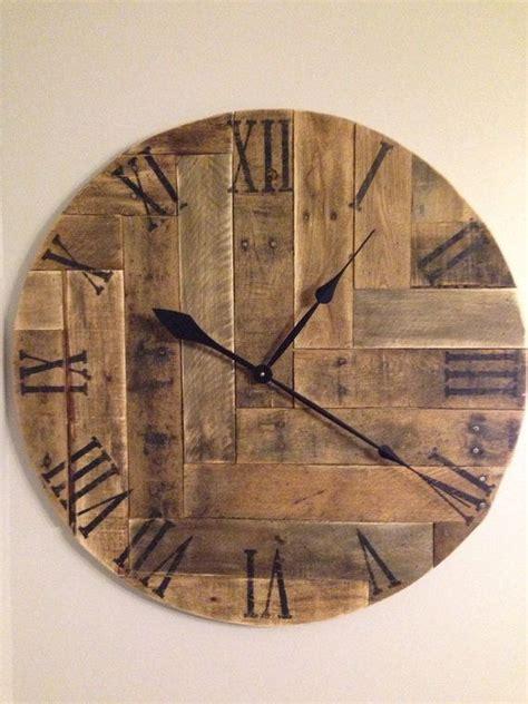 25 unique wooden clock plans de 25 bedste id 233 er inden for pallet clock p 229