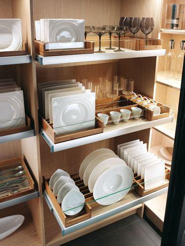 rangement vaisselle cuisine cuisine aménagée les nouveautés 2011 de mobalpa