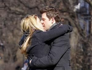 Eric Mabius & Sarah Lafleur Kissing For 'Ugly Betty' Scene ...