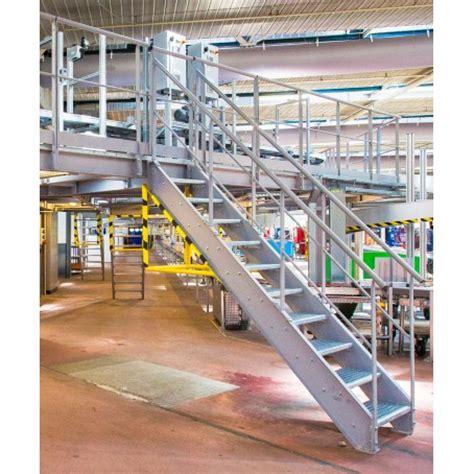 bureau recrutement escalier industriel