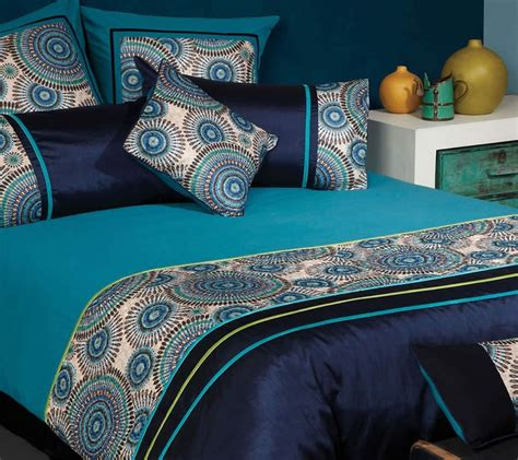 Peacock Colored Bedding by The Gallerie Meridian Retro Circle Peacock Quilt Cover