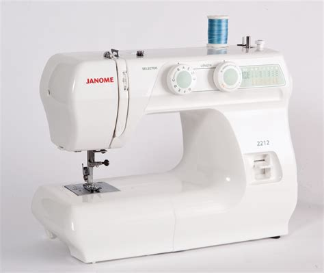 beginners sewing machine shopping for a good beginner sewing machine at a good price save that fabric