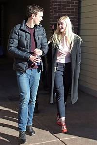 Elle Fanning and Nicholas Hoult Photos Photos - Celebs Out ...