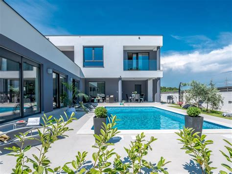 Moderne Villa Mit Pool by Moderne Villa Mit Pool 10 Min Zum Strand Ins