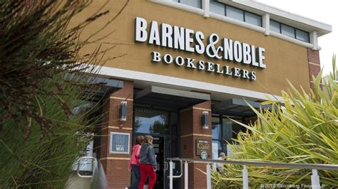 barnes and noble inc ahwatukee barnes noble closing business