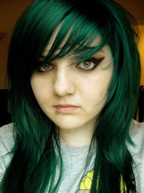 Green Hair On Pinterest Dark Green Hair Green Hair And