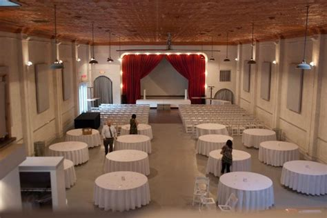 wedding reception and ceremony in same room linens on