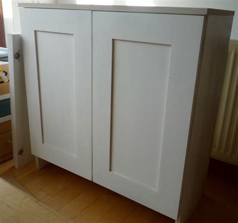 Shaker Style Cupboard Doors by Primed Mdf Cupboards With Shaker Style Doors Part I