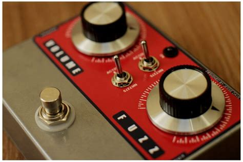 love the of this fuzz pedal fuzz tone guitare lutherie