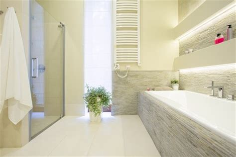 pose de carrelage au sol ou mural pour la salle de bain le prix