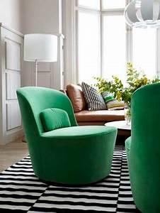 Petit fauteuil pivotant velours vert for Petit fauteuil vert