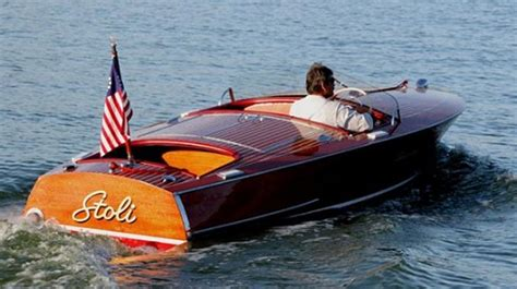 Chris Craft Type Boats by What Are The Different Types Of Boats