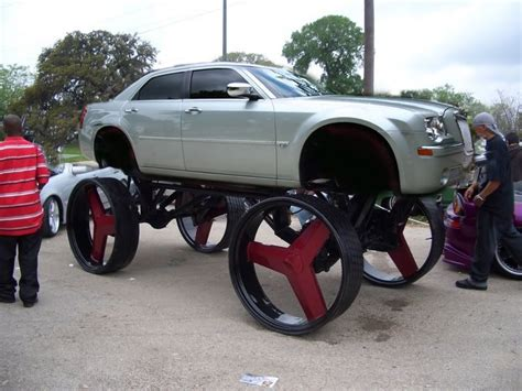 Chrysler 300 Rims by Chrysler 300 On 26 Inch Rims Find The Classic Rims Of Your