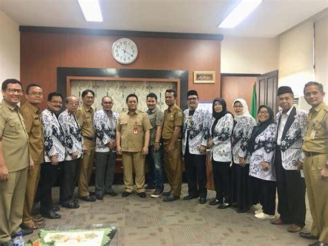 Rumini dipecat dua hari sebelum lebaran 2019 lalu. Enam Guru Honorer Yang Dipecat Akan Diaktifkan Kembali ...