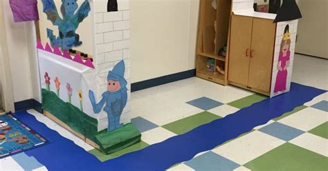 preschool castle for our dramatic play filled the wall 125 | 5c2389de63516eb18b8c171460a21d96