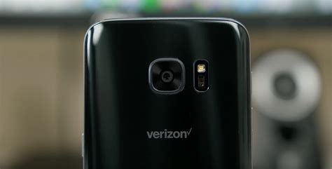 verizon smartphone deals verizon once again offering free flagship smartphones with