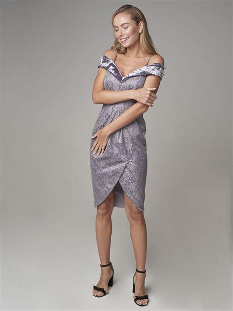 Новогодние платья больших размеров купить платье на Новый год из коллекции 2020.