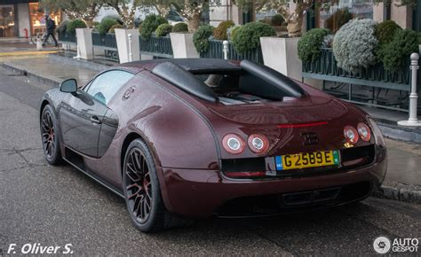And these factors can all be seen in the video above. Bugatti Veyron 16.4 Grand Sport Vitesse La Finale - 7 March 2016 - Autogespot