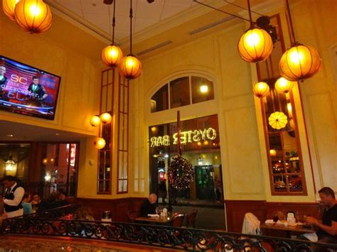 bourbon house new orleans restaurant dining room picture of bourbon house new