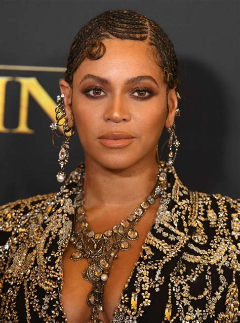 beyonce attends  lion king premiere  dolby theatre