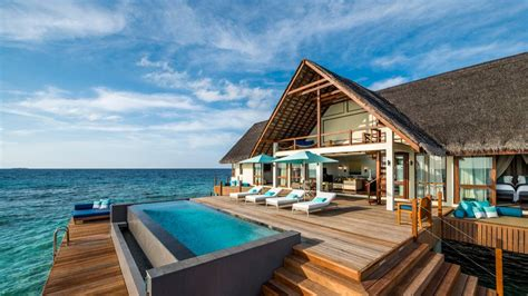 Top 5 Luxury Overwater Villas Fiji, Maldives, Bora Bora
