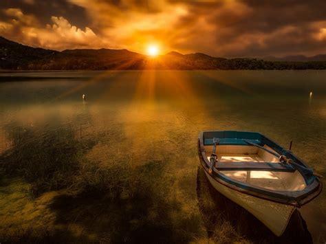 morning sunrise sun lake boat evaporation fog hd wallpaper