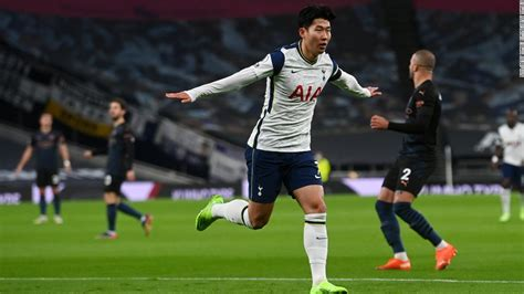 Tottenham Hotspur upset Manchester City to go top of ...