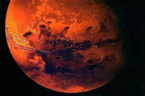 Indian Spaceship Reaches Mars