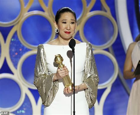 sandra oh golden globes win sandra oh s parents go viral with reaction to her golden