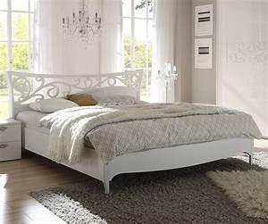 Lit Blanc Adulte : lit blanc laque perfect banc de lit blanc laque toulouse rideau incroyable with lit blanc laque ~ Teatrodelosmanantiales.com Idées de Décoration
