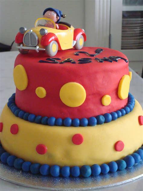 Gateau Anniversaire 2 Ans Les Cupcakes D So Le Gateau Oui Oui