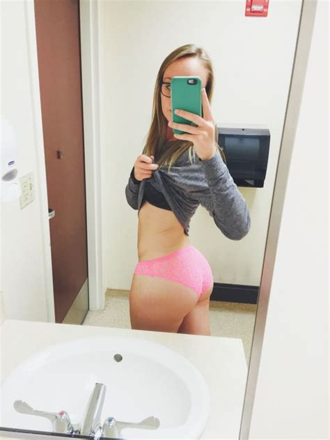 Chivettes Bored At Work Photos Girls Bored At Work