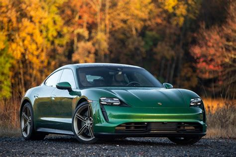 REVIEW | The Taycan 4S is Porsche's first EV that pairs ...