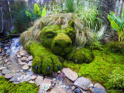 Garden Art : Moss Soothes The Savage Beast In Us All