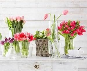 Tulpen Im Glas Ohne Erde : tulpen gruppenweise arrangieren bild 4 living at home ~ Frokenaadalensverden.com Haus und Dekorationen