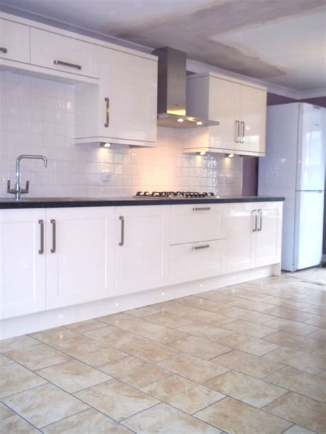 kitchen floor and wall tiles kitchen tiling swindon kitchen wall and floor tiling 8066