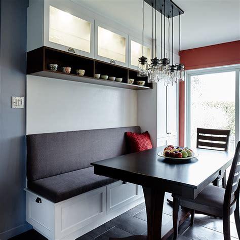 coin banquette cuisine cuisine contemporaine avec banquette et huche vitrée