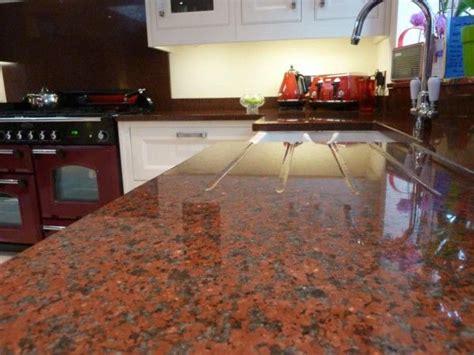 encimera granito rojo cocinas integrales moedul studio