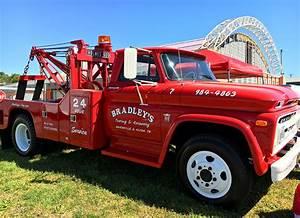 Bradley U0026 39 S Towing  U0026 Recovery