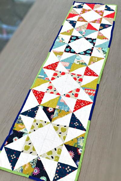 quilted table runners contemporary quilted table runner allfreesewing