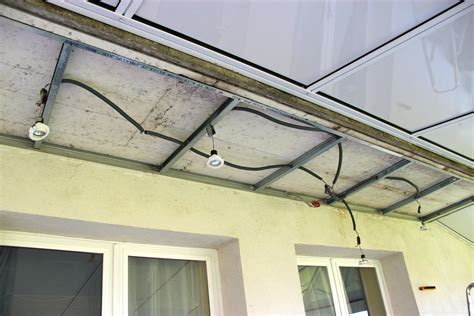 comment installer des spots dans un plafond faux plafond vraie beaut 233